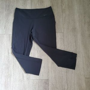 Nike Black Dri-Fit Legend Crop Legging